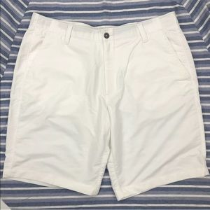 Under Armour Golf casual Shorts Sz 40 Heat Gear